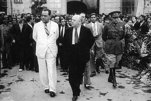 Juan Negrín y su ministro de la guerra, Indalecio Prieto